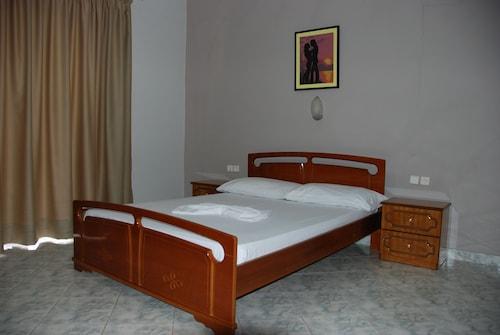 Hotel Timi, Sarandës