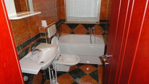 Apartment Pucurica II,