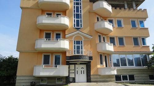 Apartment Pucurica II