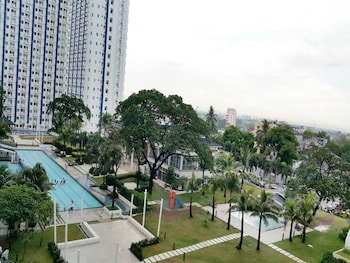 GRASS RESIDENCES BY JG VACATION RENTALS Property Grounds