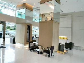 GRASS RESIDENCES BY JG VACATION RENTALS Lobby Sitting Area