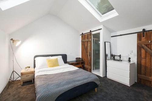 Architects Urban Retreat in Malvern, Stonnington - Malvern