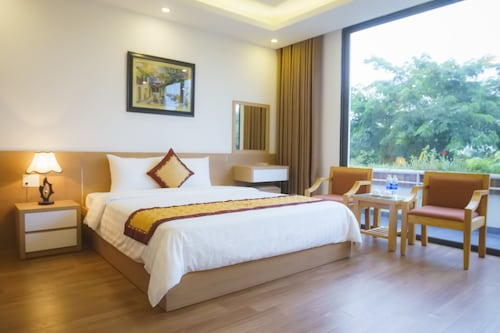 Ruby Hotel, Hạ Long