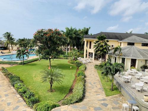. Tanga Beach Resort & Spa