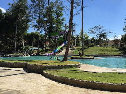 Ranong Resort and Laguna, Kapoe