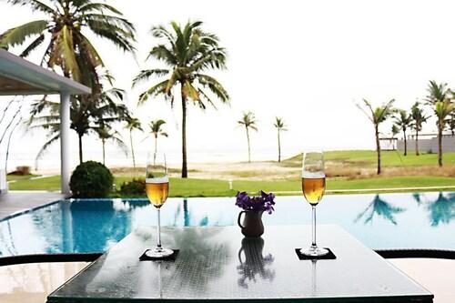 Luxury Yacht Villa, Ngũ Hành Sơn