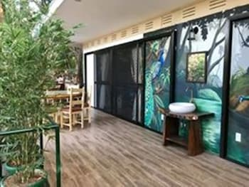 ZOOBIC GLAMPZ- SUBIC Terrace/Patio