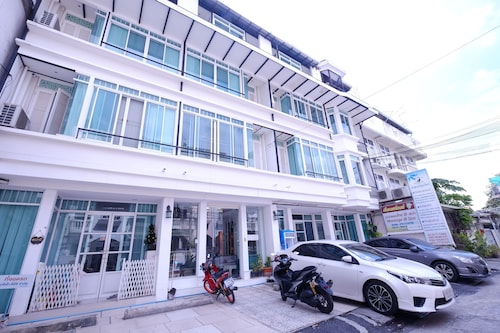 Ratchada-Sutthisan Hotel and Longstay, Huai Kwang