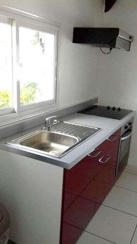 Apartment With 2 Bedrooms in Petit-canal, With Balcony and Wifi - 4 km, Petit-Canal
