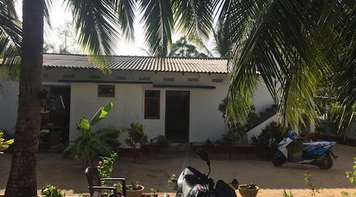 onelove hostel, Trincomalee Town and Gravets