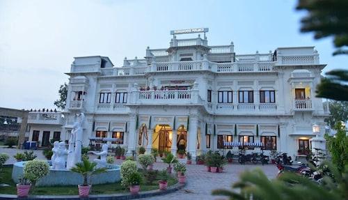 . Kohinoor Palace