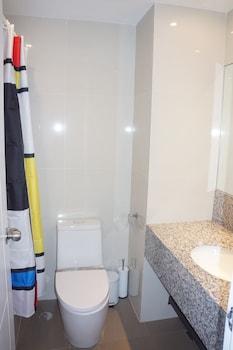 AMAZING SEAVIEW ARTERRA PENTHOUSE Bathroom Amenities