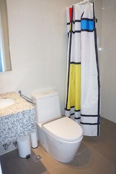 AMAZING SEAVIEW ARTERRA PENTHOUSE Bathroom Shower