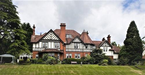 . Dunmar House Hotel