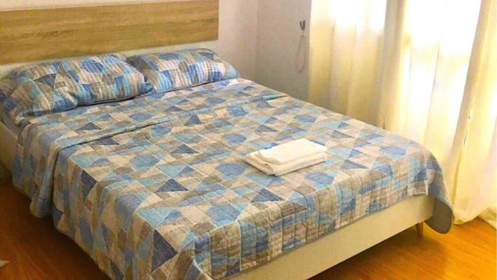 2 ベッドルーム スイート バイ ネズプリル @ アクア レジデンス マニラ