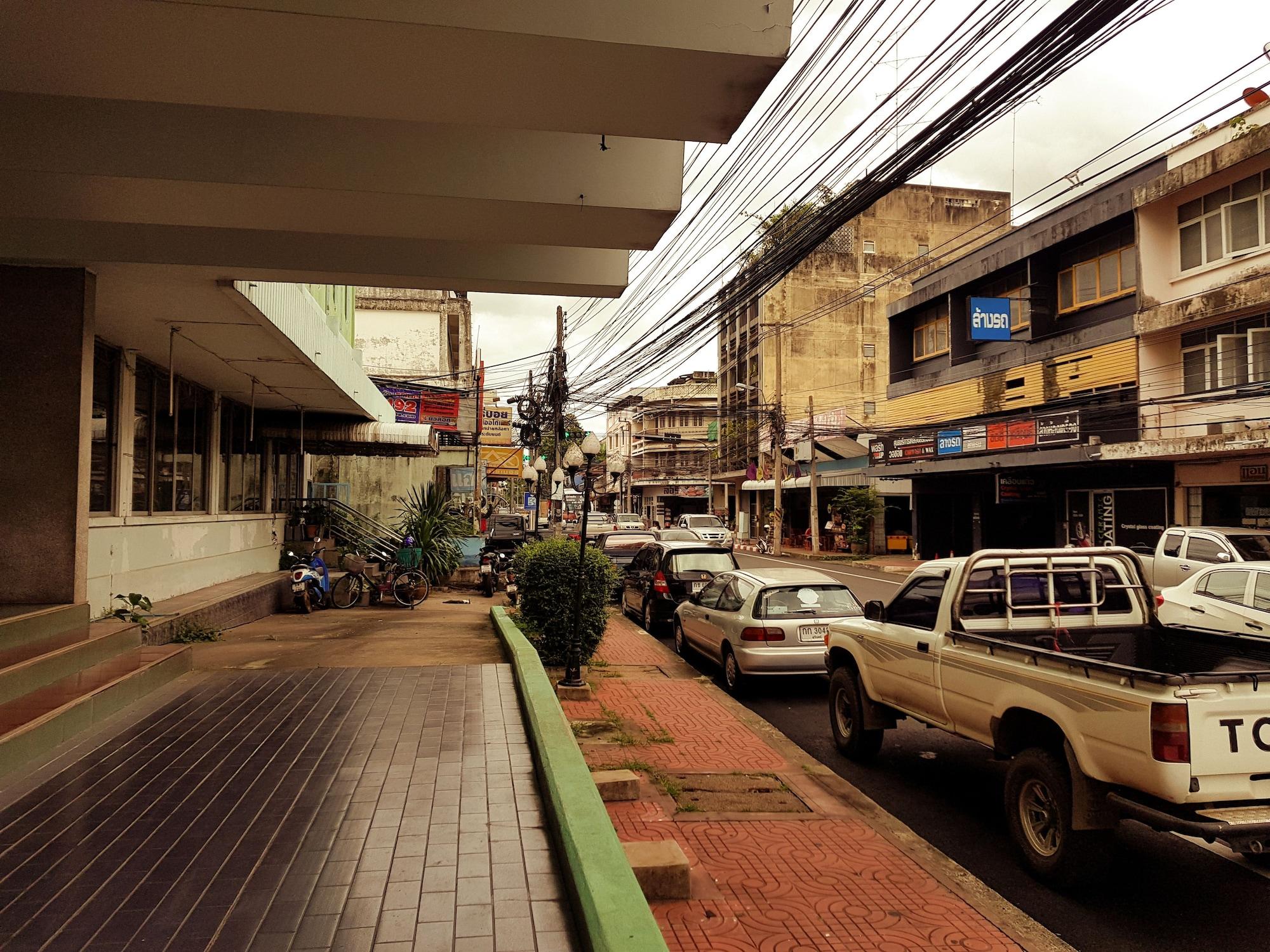 Memorial, Muang Surin
