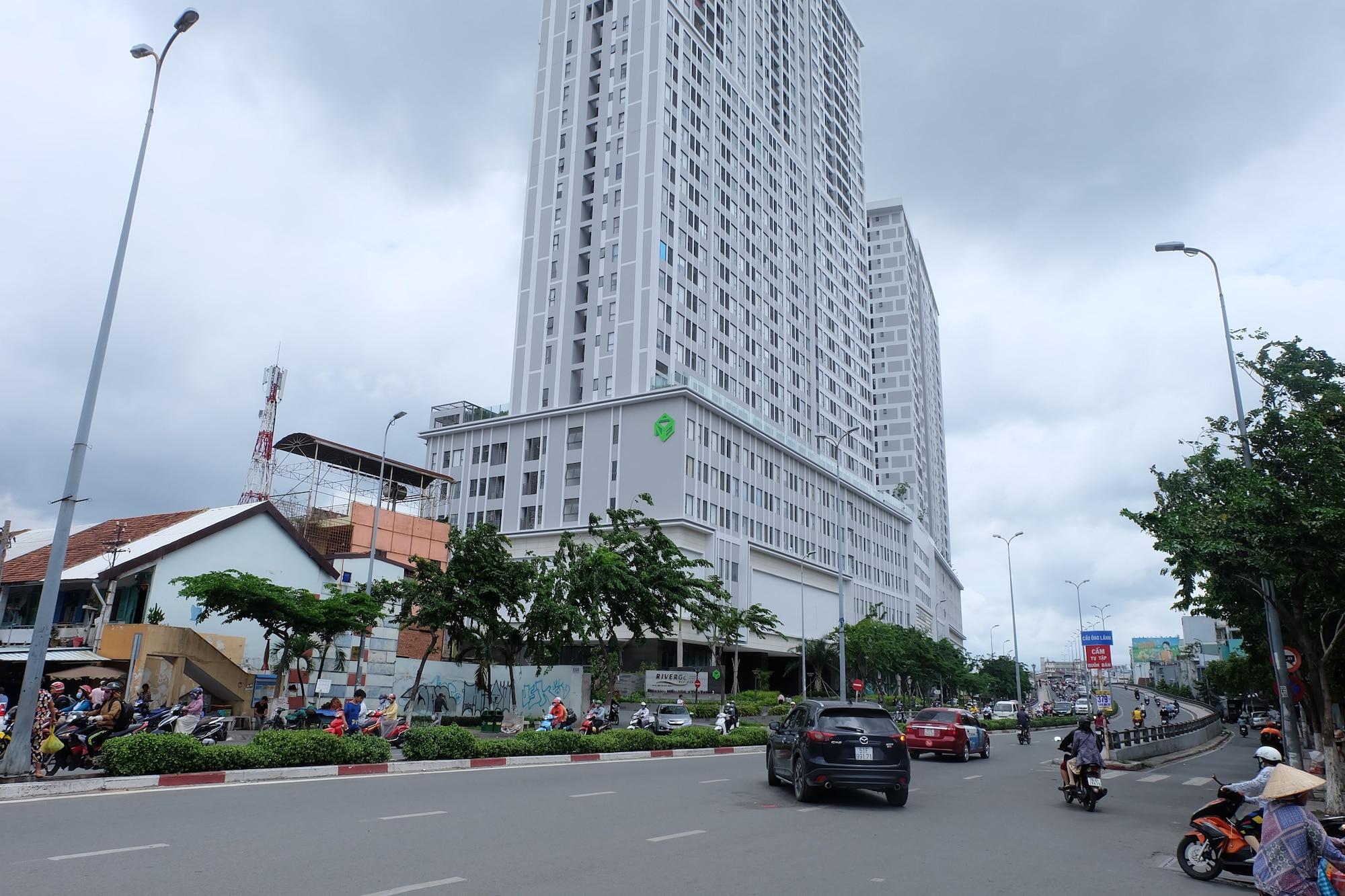 Spacious Saigon, Quận 4