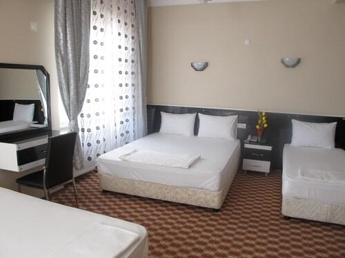 . Hotel Seker