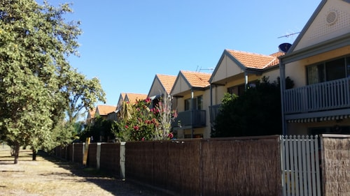 Town House On The Marina, Port Adel. Enfield - Coast
