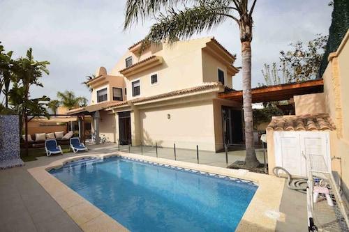Villa Levante Beach 6 Bd, Alicante