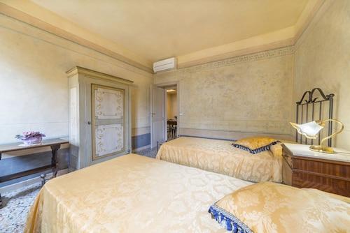 . I Bei Ricordi Historic Centre Apartments
