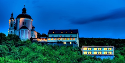 __{offers.Best_flights}__ Hotel & Restaurant Christkindlwirt