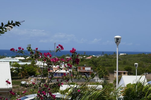 Apartment With 2 Bedrooms in Sainte Anne, With Wonderful sea View, Poo, Sainte-Anne