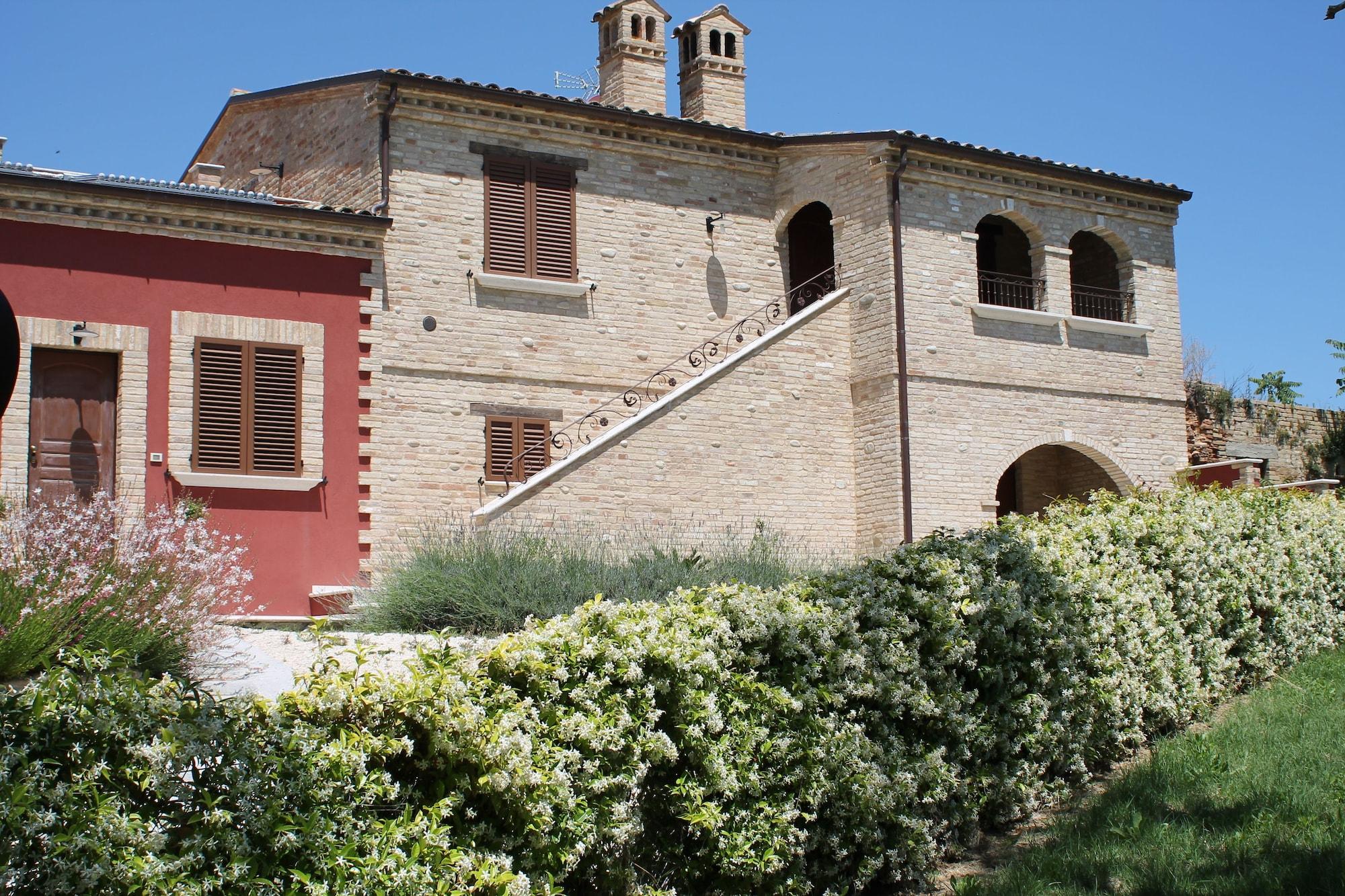 Dimora Rosso Piceno, Ascoli Piceno