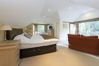 Standard Double Room, Ensuite, Garden View (Sycamore)