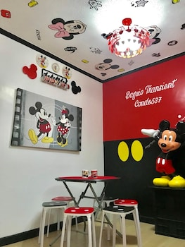 MICKEY AND MINNIE MOUSE UNIT 537 ALBERGO In-Room Dining
