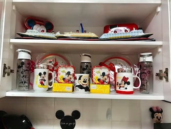 MICKEY AND MINNIE MOUSE UNIT 537 ALBERGO Private Kitchenette