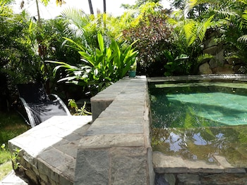 BAHAY ISLA INN - HOSTEL PUERTO GALERA Outdoor Pool