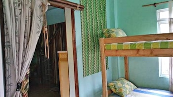 BAHAY ISLA INN - HOSTEL PUERTO GALERA Room