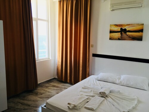 Pinar Motel, Aydıncık