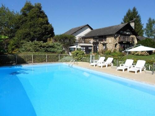 Villa With 8 Bedrooms in Haut-de-bosdarros, With Private Pool, Furnish, Pyrénées-Atlantiques