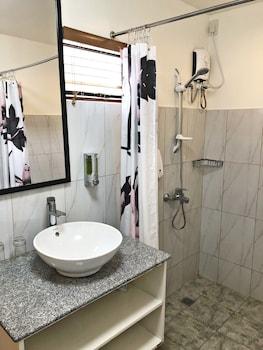 CASA ROCES BED AND BREAKFAST Bathroom Sink