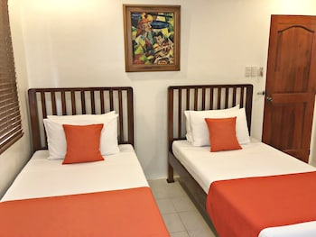 CASA ROCES BED AND BREAKFAST Room