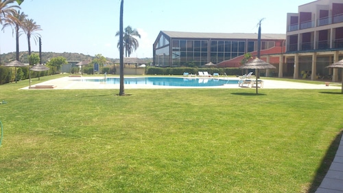 Apartment With one Bedroom in Estômbar, With Wonderful City View, Pool, Lagoa