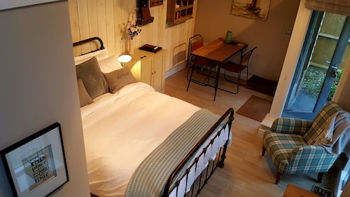 The Dorm Bed and Breakfast, Staffordshire