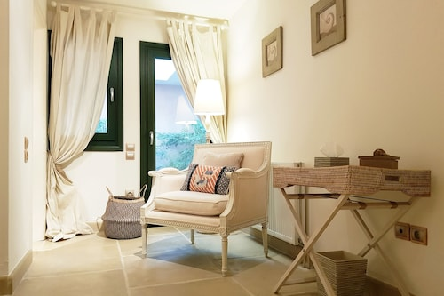 Thermesea Luxury Lodge, Peloponnese