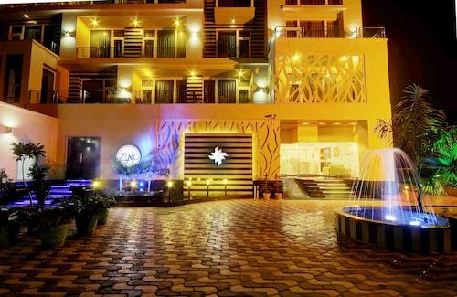 . Hotel Chirag