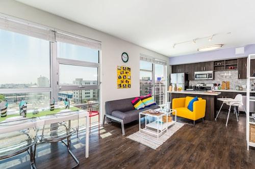 . Downtown LA Cozy Apartments