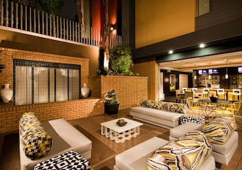 East West Comfort: Hollywood Walk of Fame Apartments