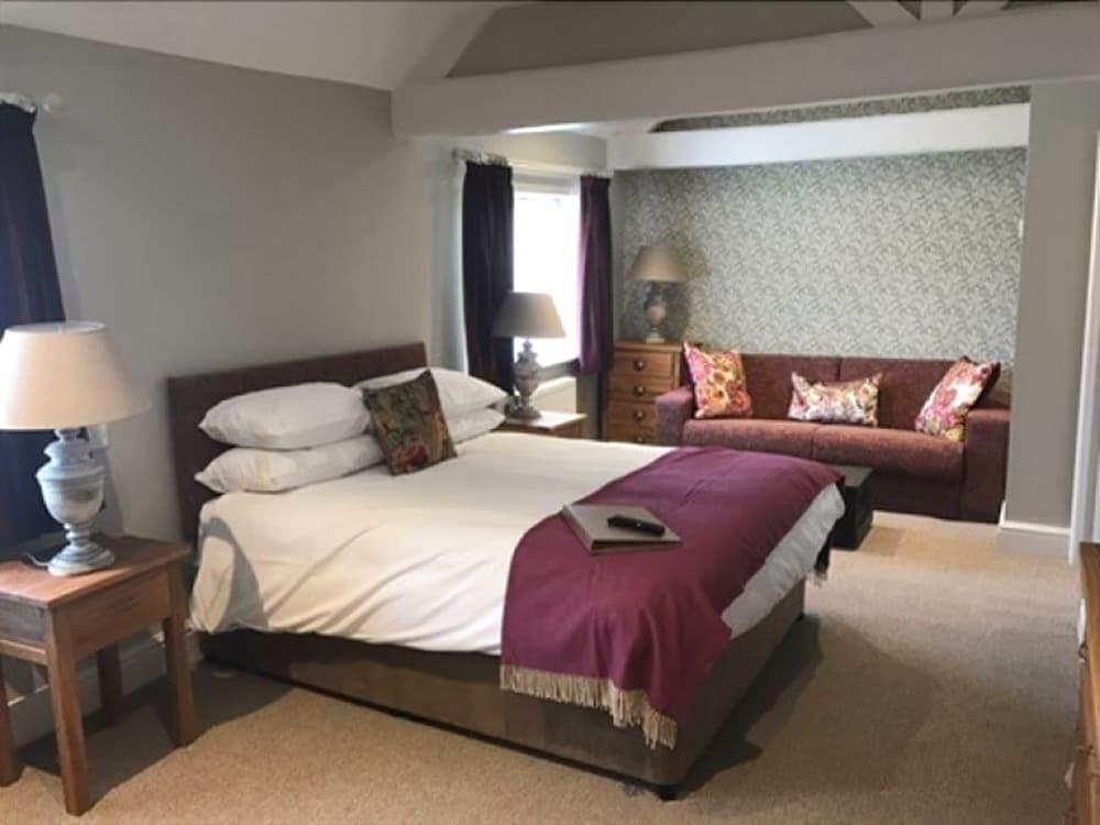 The George Inn, Wiltshire