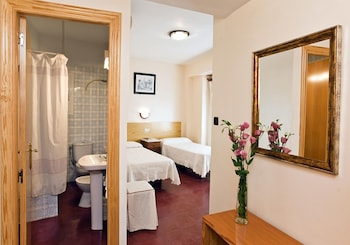 Hotel - Hostal Tropical