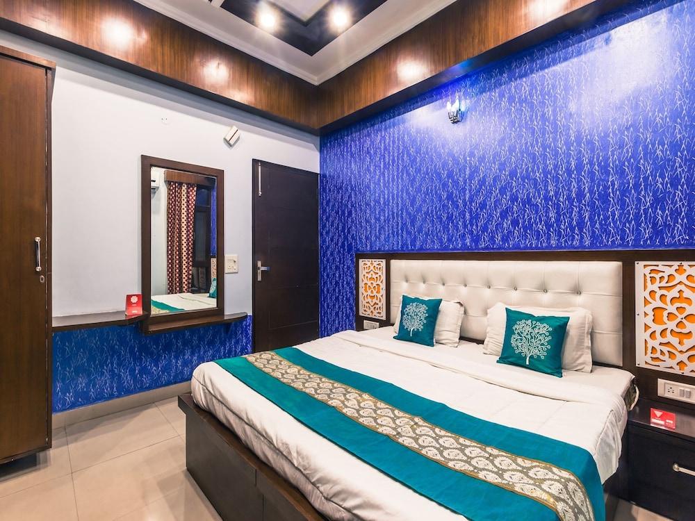 OYO 2558 Hotel R K Residency