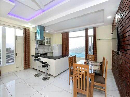 OYO 13768 Home 3BHK Penthouse Kasauli, Solan