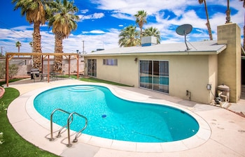 Happy Bridge To Vegas Sleeps 12 Pool photo