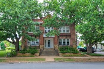 Claremont Apartments photo