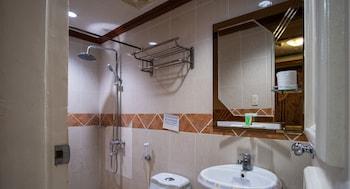 ZEN ROOMS PALM TREE OLONGAPO Bathroom